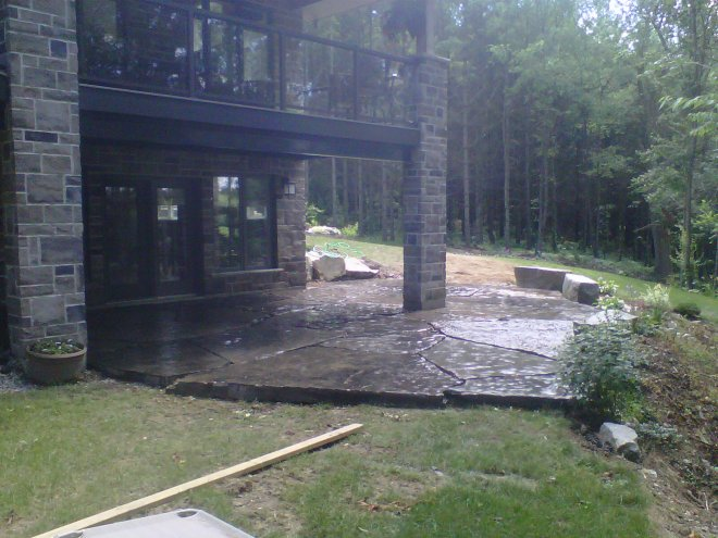 Jumbo Black Flagstone Patio